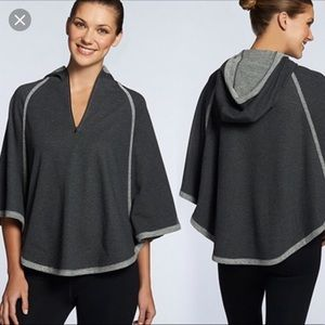 Fabletics Aventure poncho NWOT!!!💙
